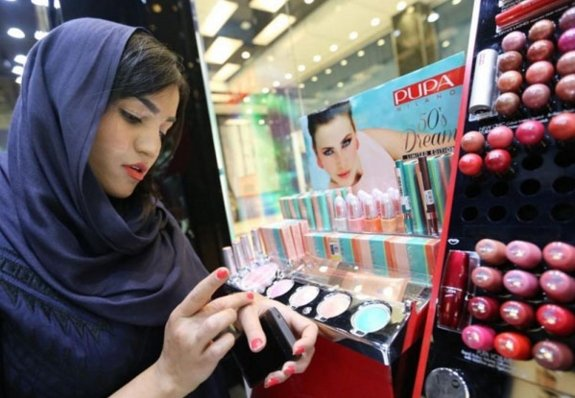 Sephora plans seven Iran stores for 2016