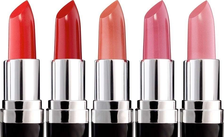 'Lipstick effect' in full force as South African cosmetic and toiletry retail sales on the rise