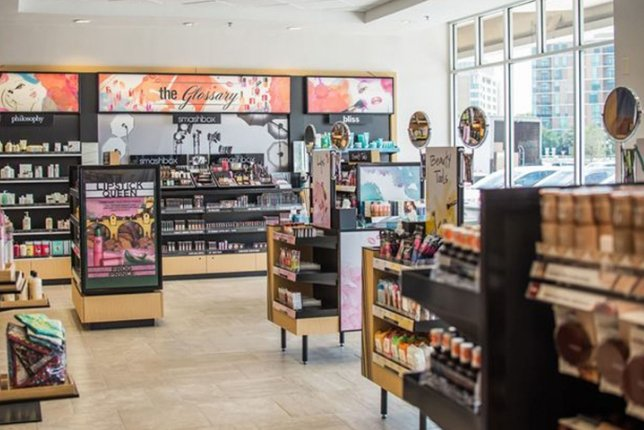 Brains and beauty: Bookseller Barnes & Noble to launch cosmetics section