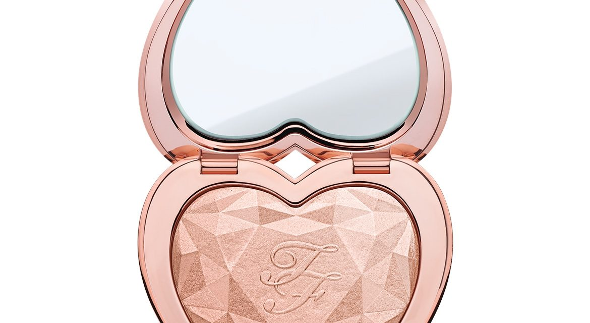 Too Faced – Love Light Highlighter