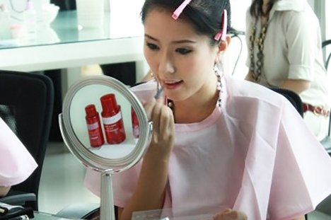 BuzzCommerce to raise SGD1 million to fund own brand cosmetics