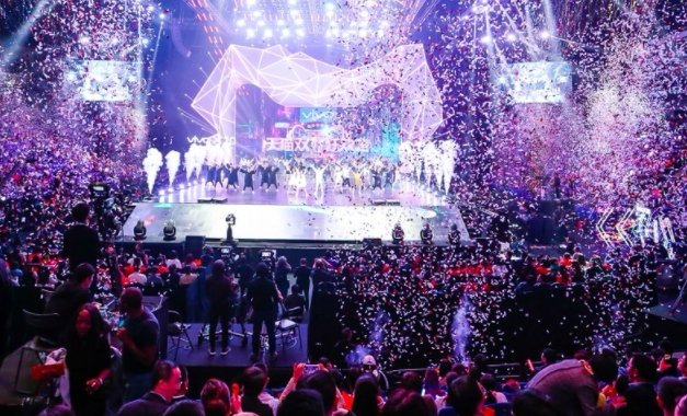 Record-breaking Singles' Day prompts Alibaba global expansion