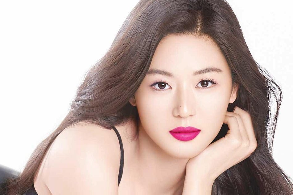 South Korean actress Jun Ji-hyun stars in cosmetics ad campaign for Chinese Alibaba signalling easing political tensions