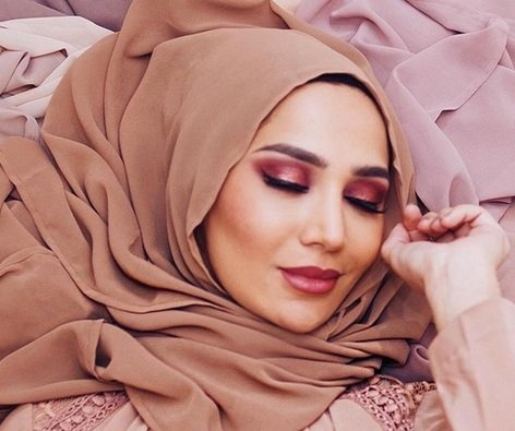 L'Oréal's first hijab wearing hair care ambassador quits over controversial comments