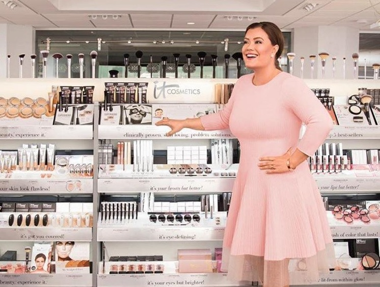 Jamie Kern Lima steps down from her It Cosmetics brand