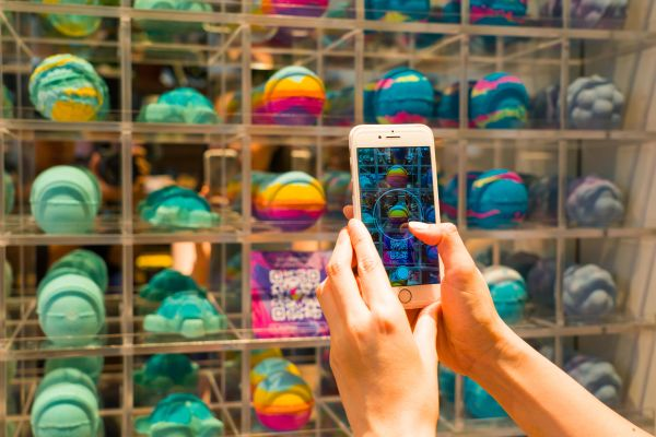Lush opens packaging free store in Hong Kong